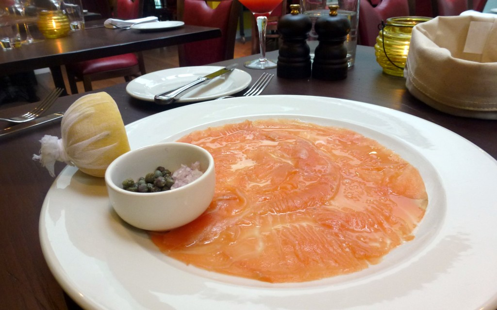 Smoked salmon, capers, shallots