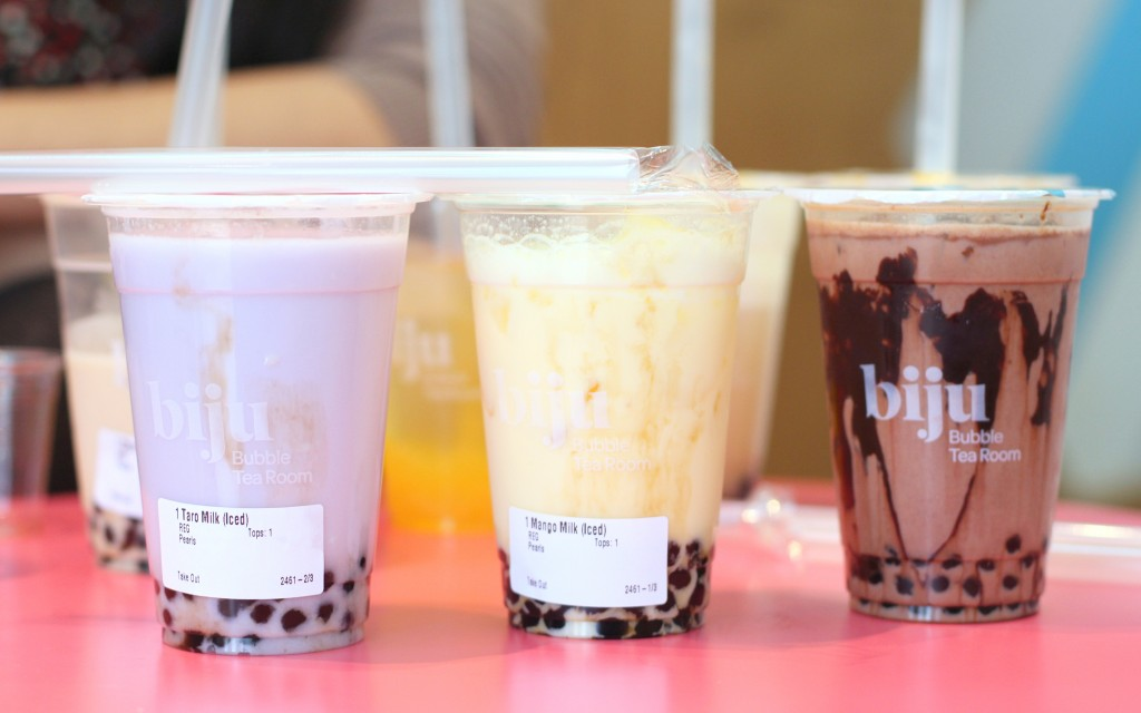 Taro, mango milk and chocolate bubbles teas with tapioca biju room