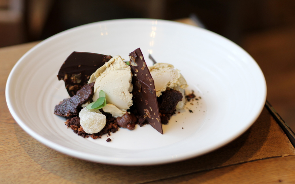 Artichoke ice cream, chocolate crumb, grilled white chocolate, Rabbit restaurant chelsea